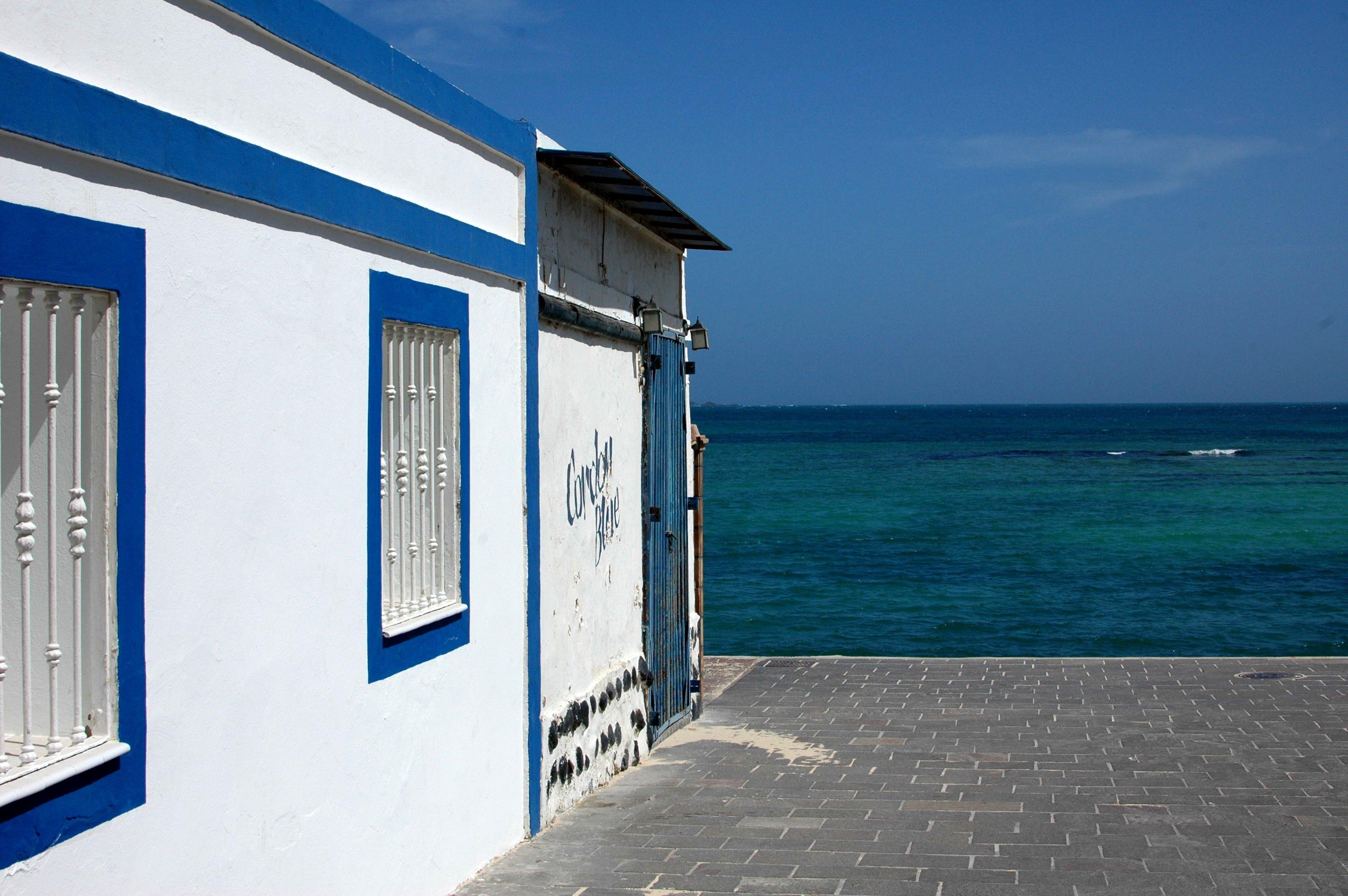 Corralejo, Fuerteventura Travel Guide and Photo Diary