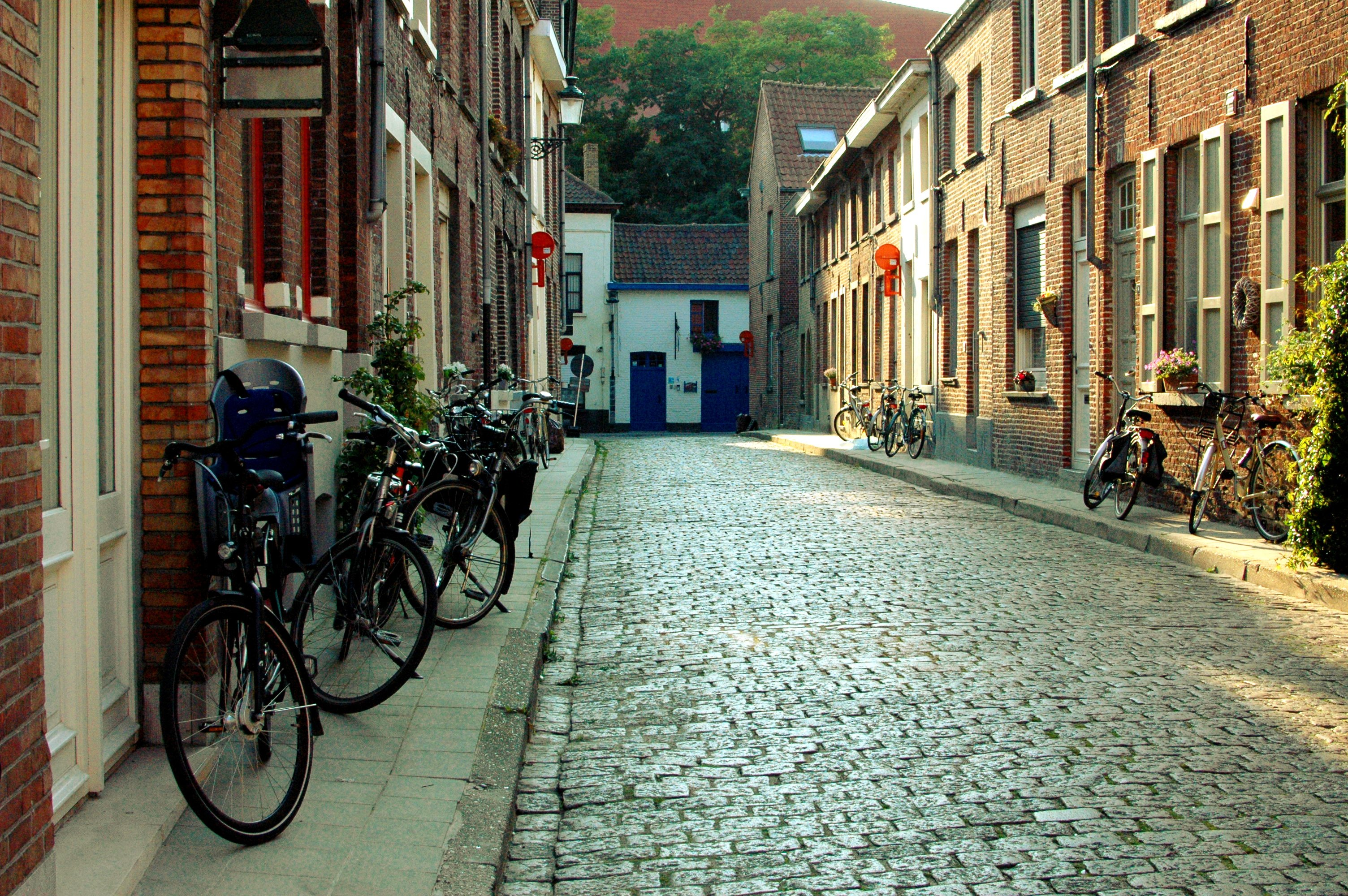 Bruges Streets - A Travel Guide to Bruges, Belgium