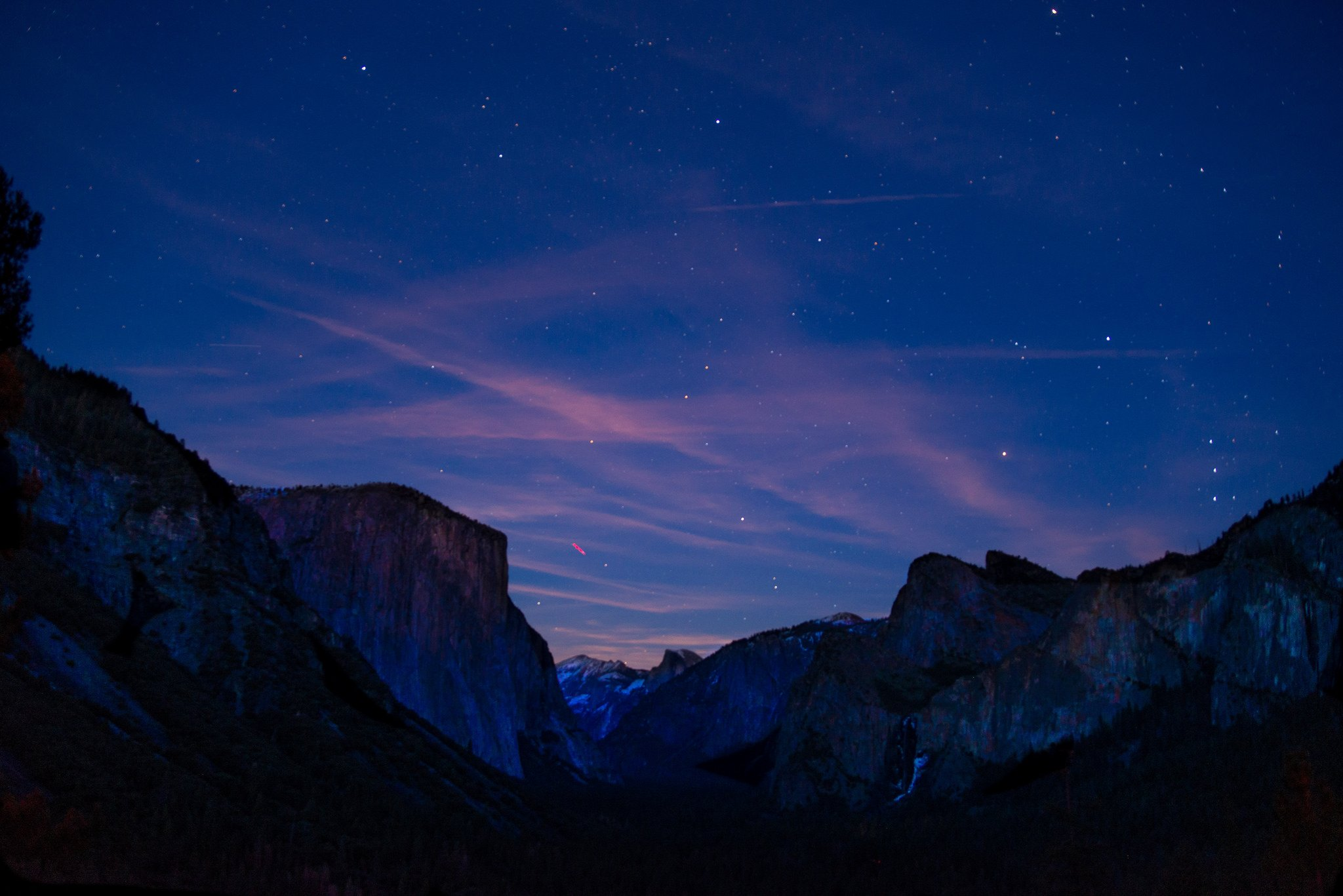 Tunnel View, Yosemite National Park at Night - A 15-Day California Road-Trip Itinerary