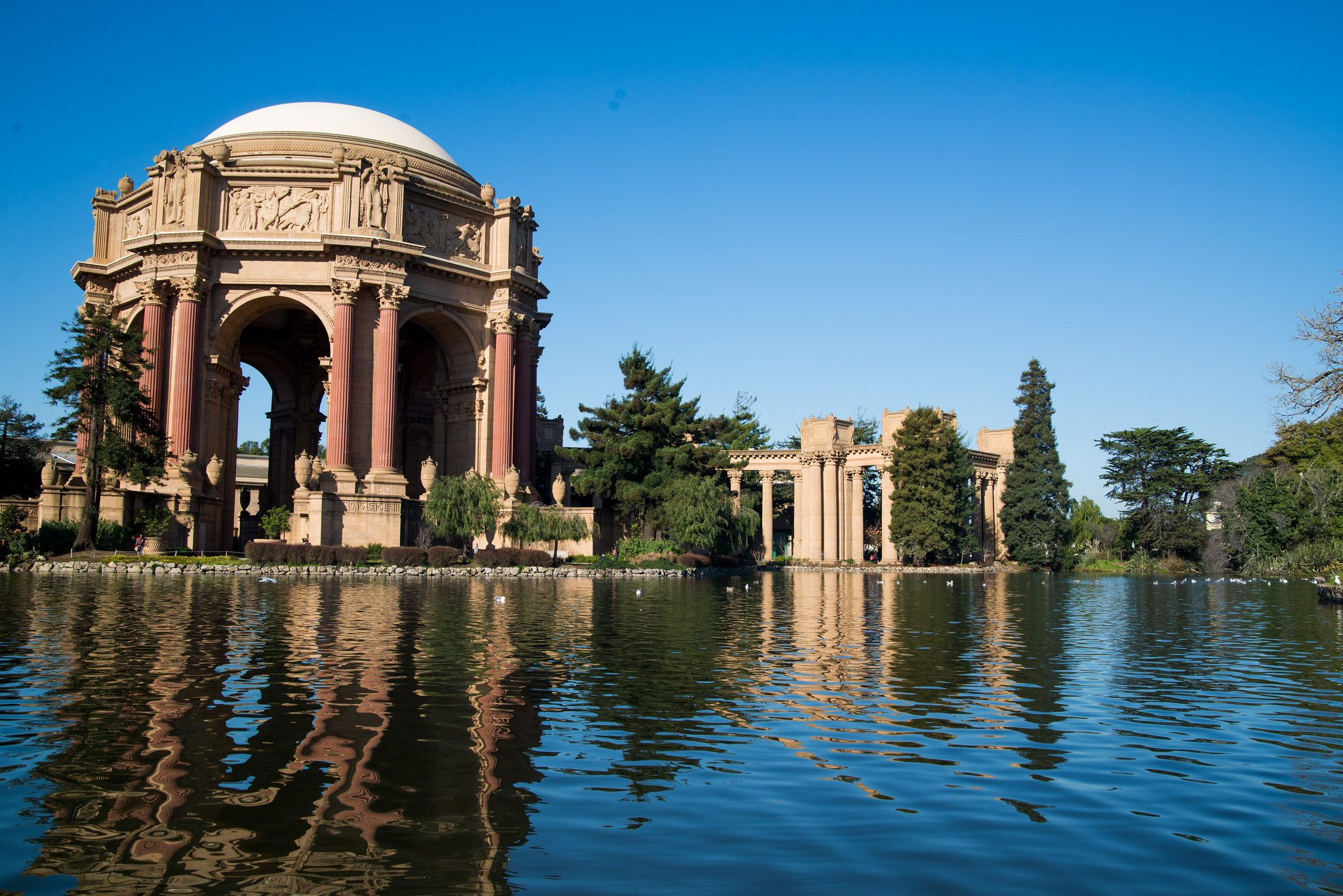 17 Easy Ways to Save Money on Your Next Trip - Palace of Fine Arts, San Francisco, California, USA