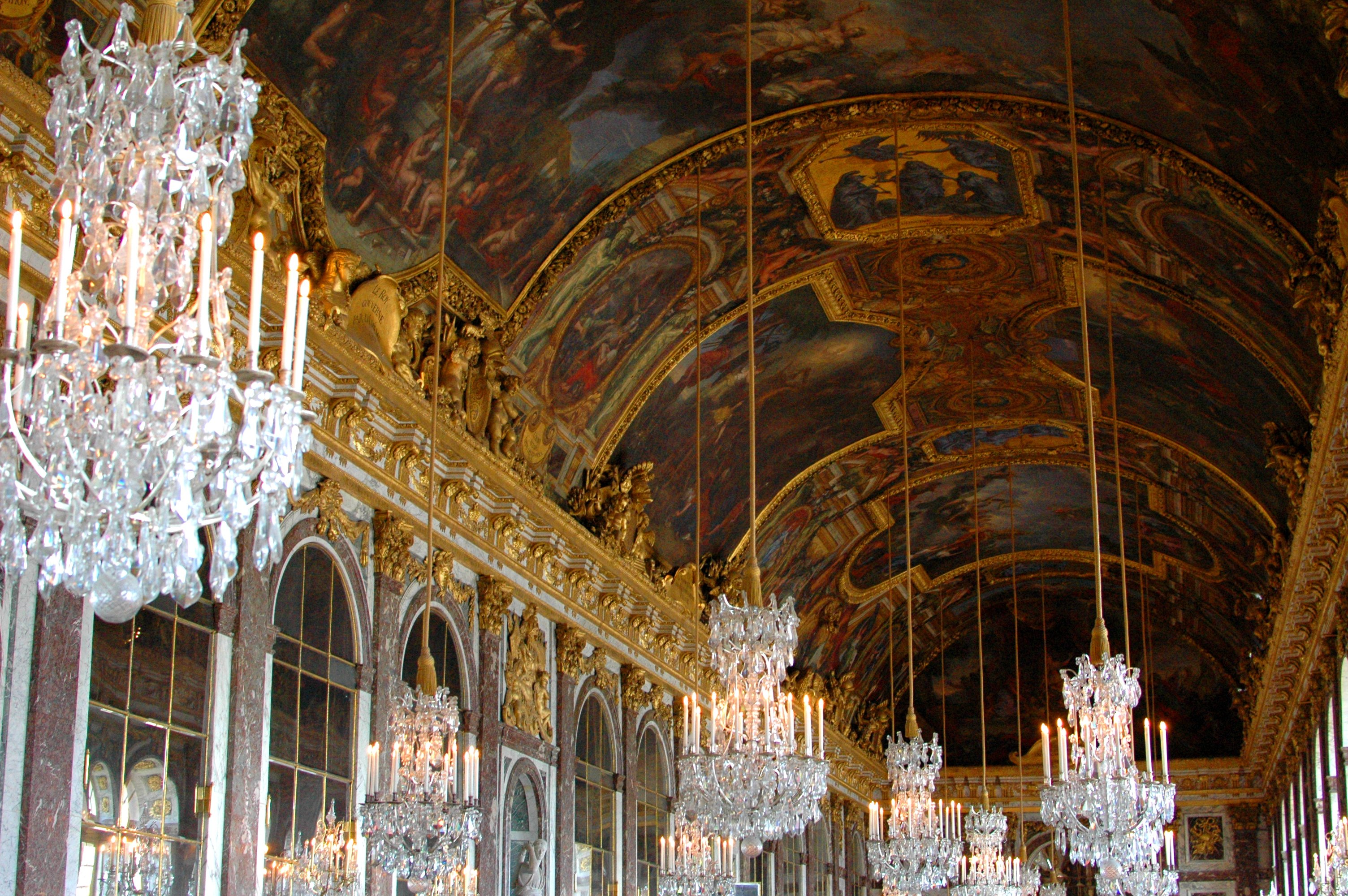 16 Cool Things to Do in Paris - Palace of Versailles Hall of Mirrors