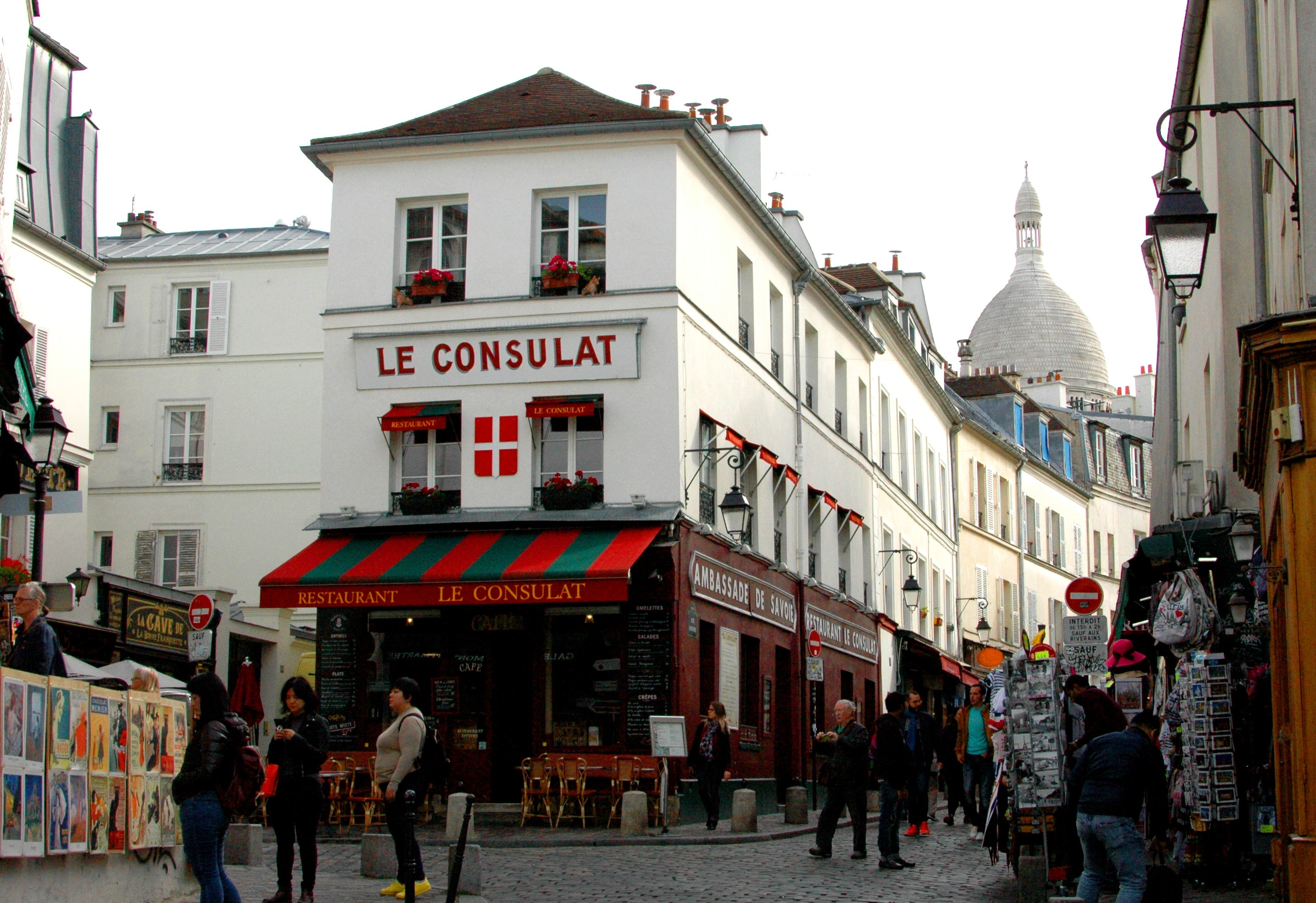 16 Cool Things to Do in Paris - Le Consulat, Montmartre, Paris